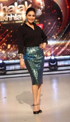 Madhuri Dixit stuns at Jalak Dikhlaja New Season