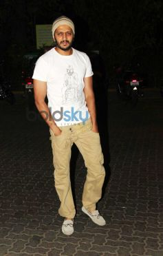Ritesh Deshmukh at Siddarth Malhotra's Party