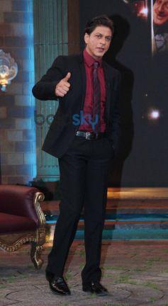 Shahrukh Khan stuns at Anupam Kher Show