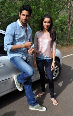 Siddharth and Shraddha promotes Ek villain on the sets of CID