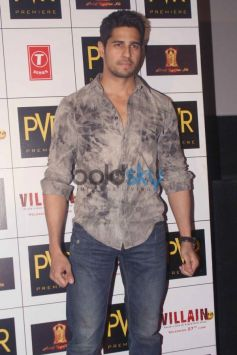 Sidharth Malhotra at Ek Villain Press Meet