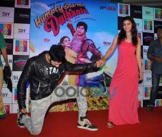 Alia Bhatt and Varun Dhawan stuns at R City Mall during Promotion