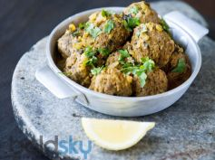 Aloo Paneer Kofta Curry