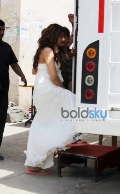Bipasha Basu snapped at Filmistan Studio