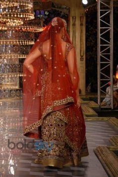 Bipasha Basu stuns at ICW 2014 Closing Ceremony