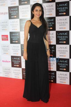 Curtain Raiser of Lakme Fashion Week 2014