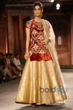 ICW 2014 Anju Modi Show