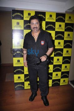 Kumar Sanu at Stardust London Concert