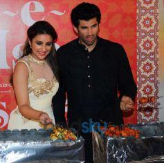 Parineeti Chopra and Aditya Roy Kapur during Trailor Launch of Daawat E Ishq