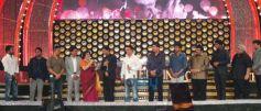 Shah Rukh Khan at 8th Annual Vijay Awards