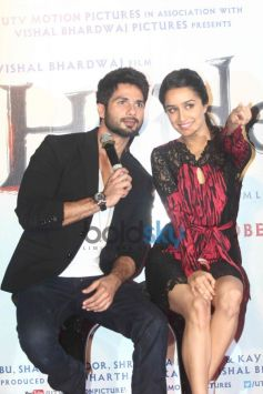 Shraddha Kapoor and Shahid Kapoor at Haider Trailor Launch