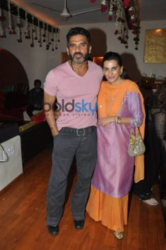 Sunil Shetty with his wife Mana