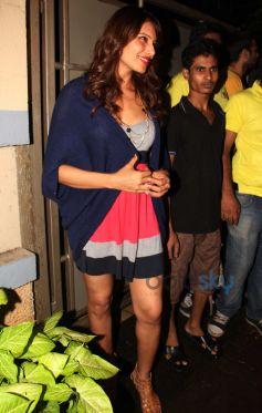 Bipasha Basu snapped at restaurant in Bandra