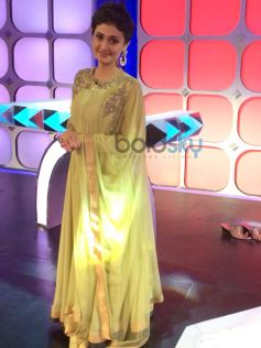 Ragini Khanna wearing Ridhi Mehra Dress