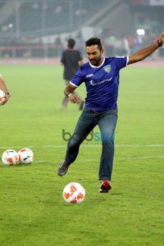 Abhishek Bachchan And Parineeti Chopra At ISL Match In Delhi
