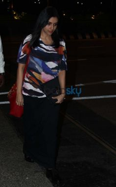 Asin Snapped At Airport