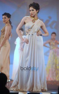 Bullion Summit Fashion Show