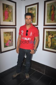 Randeep Hooda Inaugurates Painting Exhibition Of Raja Ravi Varma