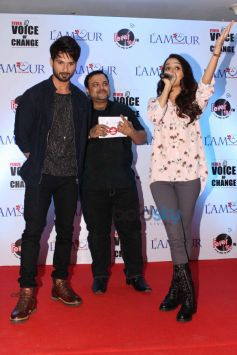 Shahid And Shraddha At Fever Voice Of Change Event