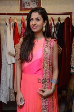 Ushma Vaidya Collection Preview At DVAR