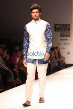 Wills India Fashion Week 2015 - DEV R NIL