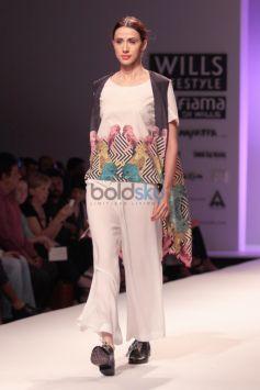 Wills India Fashion Week 2015 -  Roopa Pemmaraju
