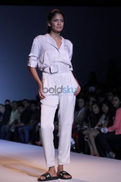 Wills India Fashion Week 2015 - Shweta Kapur