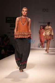 Wills India Fashion Week 2015 - Tanvi Kedia