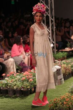 Wills India Fashion Week- Pero By  Aneeth Arora