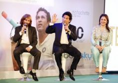 Ajit Tendulkar, Sachin Tenudlkar And  Anjali Tendulkar)
