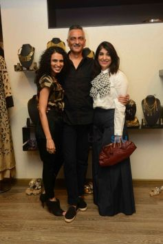 Aparna Badlani And Azmina Rahimtoola with Rakesh Thakore