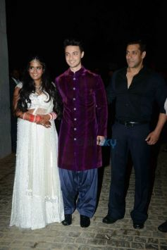 Arpita Khan, Aayush Sharma And Salman Khan