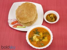 Crispy Methi Puri Recipe