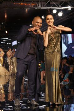Gaurav Gupta Show At Blenders Pride Fashion Tour 2014