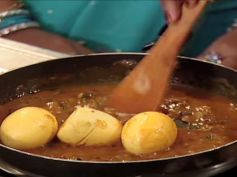 Easy And Quick Andhra Style Egg Curry Recipe