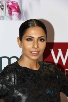 Masaba Gupta Launches Fiama Di Wills Shower Jewels