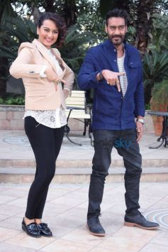 Sonakshi Sinha And Ajay Devgn