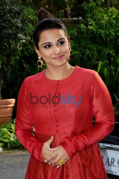 Vidya Balan Is Looking Red Hot In A Prama By Pratima Pandey Suit.