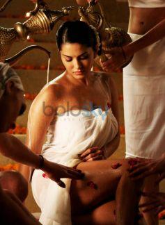 Sunny Leone Has Bath With 100 lts Of Milk For Bobby Khan's Leela.