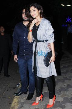 Shilpa Shetty And Amisha Patel Snapped At Hakkasan Bandra