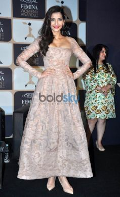 Sonam Kapoor At 4th Edition Of L'Oreal Paris Femina Women Award 2015