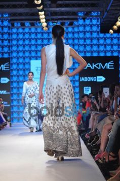 Lakme Fashion Week 2015 PALLAVI SINGHEE,ILK And YOGESH CHAUDHARY-DAY 01-SHOW 02