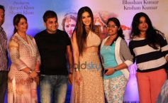 Ek Paheli Leela Actress Sunny Leone Interact With Fans