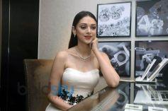 Aditi Rao Hydari Visit Chintamani Store