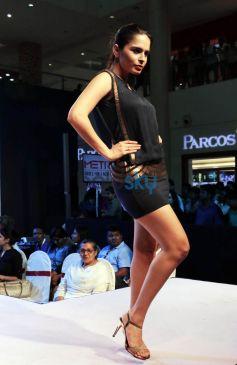 Gail Nicole Da Silva Walking The Ramp At Femina Festive Showcase May 2015