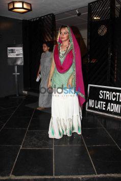 Huma Qureshi Watch Neetu Chandra's Play Umrao Jaan At Prithvi Theatre Juhu
