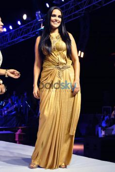 Neha Dhupia At Rajasthan Fashion Week 2015