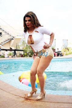 Rakhi Sawant Shoots For Party Punjabi style