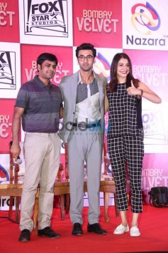 Ranbir And Anushka At The Launch Of Bombay Velvet game