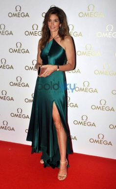 Cindy Crawford Launched The Omega Constellation Pluma Collection
